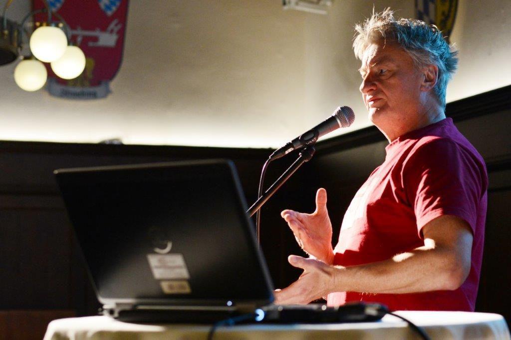 Meister des Slams: Jaromir Konecny performt und moderiert das Science Kabarett (c) Bayr. Ak. d. Wissenschaften