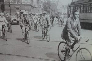 Radfahrer erobern die Straßen (c) Goede