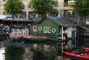 Gemütlichkeit am Stadtkanal, das klassische Kopenhagen (Bild: Dörte Sasse)